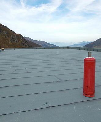 Dach und Abdichtungen von elementW